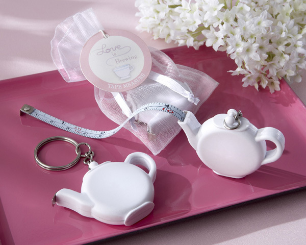FREE SHIPPING(30pcs/Lot)+Love is Brewing Teapot Measuring Tape Keychain Cheap Wedding Favors